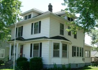 Foreclosed Home in Fulton 61252 15TH AVE - Property ID: 4404910494