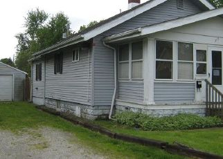 Foreclosed Home in Fort Wayne 46802 BROWN ST - Property ID: 4404915752