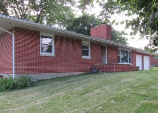 Foreclosed Home in Quincy 62301 SUNNYBROOK DR W - Property ID: 4404934580