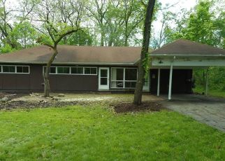 Foreclosed Home in Saint Charles 60175 RANDALL RD - Property ID: 4404936779