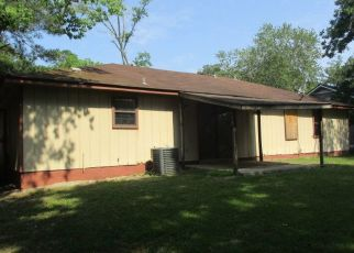 Foreclosed Home in Valdosta 31602 MEADOW PL - Property ID: 4404957349