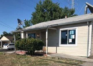 Foreclosed Home in Manteca 95337 N WALNUT AVE - Property ID: 4404983189