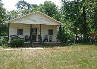 Foreclosed Home in Fayetteville 28306 WALDOS BEACH RD - Property ID: 4405054586