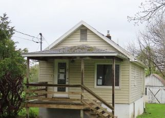 Foreclosed Home in Lansing 14882 RIDGE RD - Property ID: 4405090948