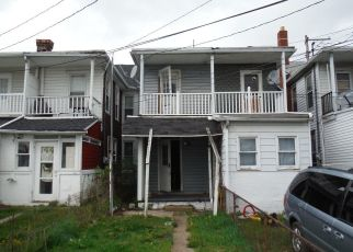 Foreclosed Home in Harrisburg 17104 GREENWOOD ST - Property ID: 4405098828