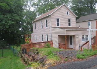 Foreclosed Home in Lake Hopatcong 07849 HENRY ST - Property ID: 4405150952