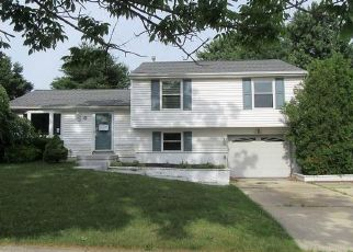 Foreclosed Home in Sewell 08080 N MARS DR - Property ID: 4405207438