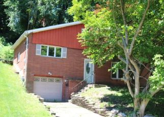 Foreclosed Home in Pittsburgh 15221 LUCIA RD - Property ID: 4405208310