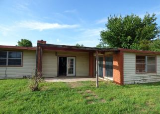 Foreclosed Home in Altus 73521 LOUANNA LN - Property ID: 4405249933