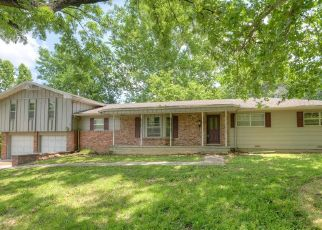 Foreclosed Home in Baxter Springs 66713 EDGEWOOD AVE - Property ID: 4405254746