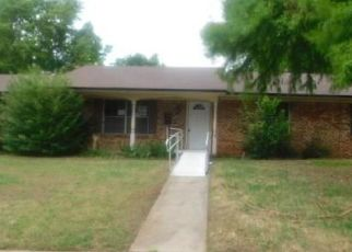 Foreclosed Home in Oklahoma City 73110 W HAVENWOOD DR - Property ID: 4405259112