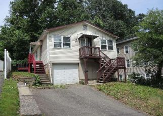 Foreclosed Home in Waterbury 06708 BANK ST - Property ID: 4405274449