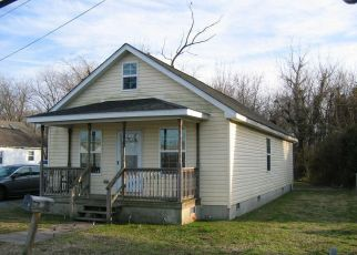 Foreclosed Home in Cambridge 21613 WASHINGTON ST - Property ID: 4405295467