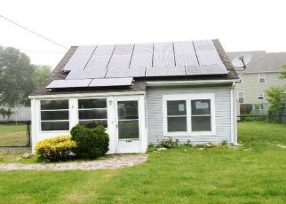 Foreclosed Home in Toms River 08753 3RD AVE - Property ID: 4405302476