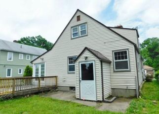 Foreclosed Home in Hartford 06114 VICTORIA RD - Property ID: 4405315173