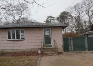 Foreclosed Home in Mastic Beach 11951 MILL DR - Property ID: 4405322628