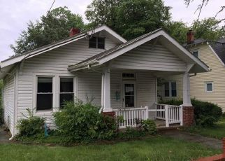 Foreclosed Home in Richmond 23224 DECATUR ST - Property ID: 4405371682