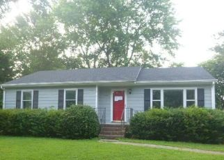 Foreclosed Home in Mechanicsville 23111 POTEET LN - Property ID: 4405381310