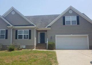 Foreclosed Home in Williamsburg 23188 DUNBARTON CIR - Property ID: 4405382180