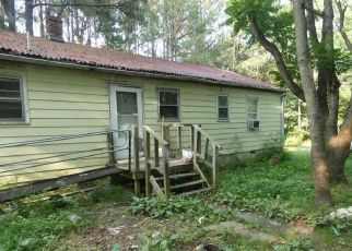 Foreclosed Home in Amelia Court House 23002 ROCKY RUN LN - Property ID: 4405390513
