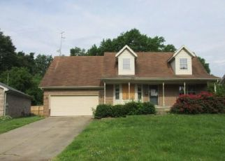 Foreclosed Home in Louisville 40216 PARKAY PL - Property ID: 4405403654