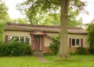 Foreclosed Home in Marion 62959 W CHERRY ST - Property ID: 4405423807