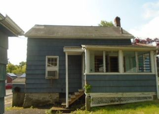 Foreclosed Home in Danbury 06810 HICKORY ST - Property ID: 4405481609