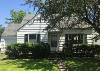 Foreclosed Home in Syracuse 13205 S SALINA ST - Property ID: 4405482934
