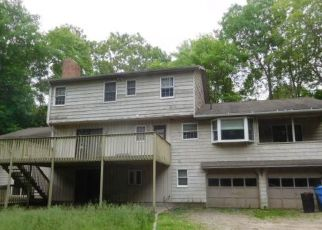 Foreclosed Home in Monroe 06468 WELLS RD - Property ID: 4405483357