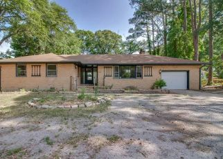 Foreclosed Home in Hampton 23666 TODDS LN - Property ID: 4405574460