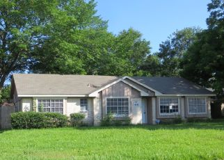 Foreclosed Home in Texas City 77591 VICKSBURG AVE - Property ID: 4405605558