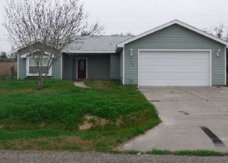 Foreclosed Home in Rockport 78382 SHERWOOD DR - Property ID: 4405615635