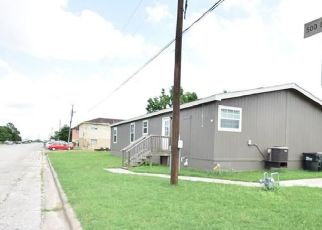 Foreclosed Home in Giddings 78942 N POLK ST - Property ID: 4405639276