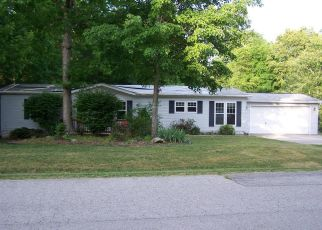 Foreclosed Home in Crossville 38558 PRESTONWOOD DR - Property ID: 4405695790