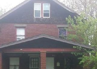 Foreclosed Home in Canton 44706 PARK AVE SW - Property ID: 4405701923