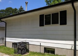 Foreclosed Home in Saint Louis 63136 HUISKAMP AVE - Property ID: 4405732570