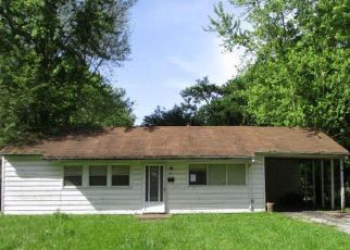 Foreclosed Home in East Saint Louis 62206 DELORES DR - Property ID: 4405735188
