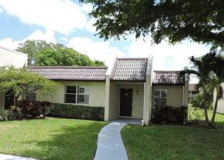 Foreclosed Home in West Palm Beach 33411 LAKE SUSAN LN - Property ID: 4405771994