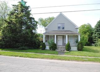 Foreclosed Home in Cleveland 44105 PARK AVE - Property ID: 4405824998