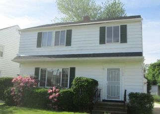 Foreclosed Home in Cleveland 44121 LINNELL RD - Property ID: 4405825866