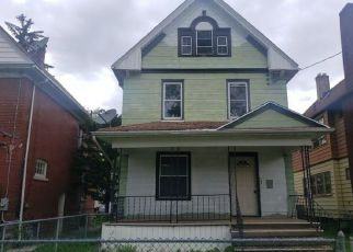 Foreclosed Home in Niagara Falls 14305 WILLOW AVE - Property ID: 4405867916