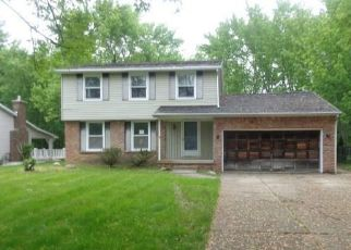 Foreclosed Home in Lockport 14094 PARK LANE CIR - Property ID: 4405868787