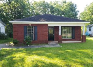 Foreclosed Home in Mobile 36617 WEALTHY ST - Property ID: 4405890235