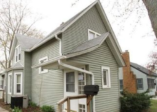Foreclosed Home in South Saint Paul 55075 13TH AVE N - Property ID: 4405954176