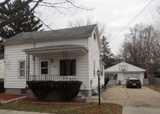 Foreclosed Home in Saginaw 48602 S WOODBRIDGE ST - Property ID: 4405979141