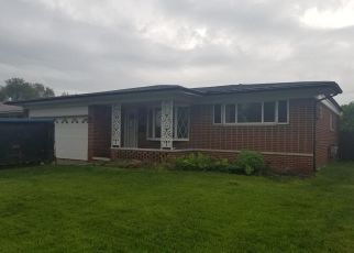Foreclosed Home in Warren 48088 MASONIC BLVD - Property ID: 4405997995