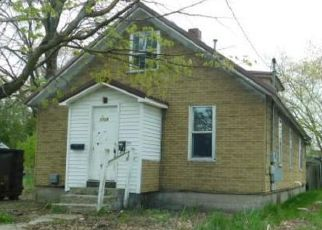 Foreclosed Home in Cadillac 49601 1ST AVE - Property ID: 4406002808