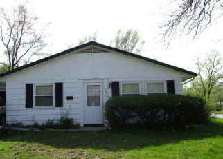Foreclosed Home in Chicago Heights 60411 REVERE ST - Property ID: 4406061487