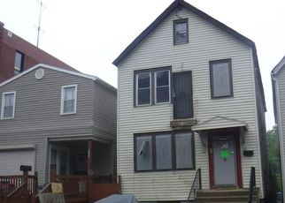 Foreclosed Home in Chicago 60617 S MARQUETTE AVE - Property ID: 4406120618