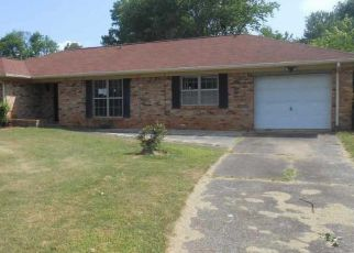 Foreclosed Home in Huntsville 35805 PICKETT DR SW - Property ID: 4406255960